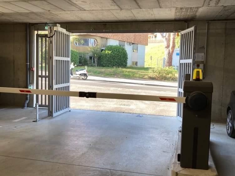 Stationnement sécurisé face à l'hôpital de Bayonne
